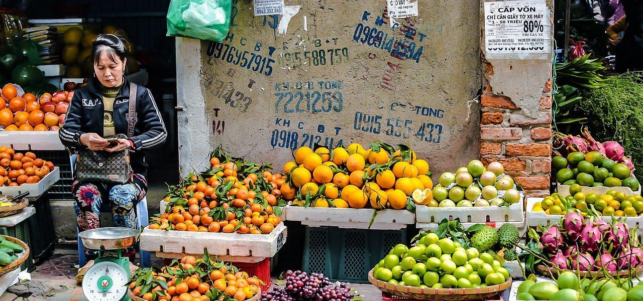 Hanoi - street table market