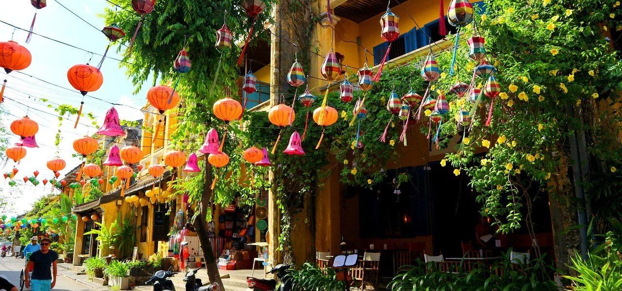 Vietnam is always a hot de10 top places to visit in Vietnam